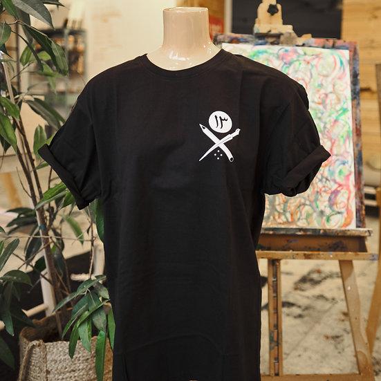 manifesto١٣ t-shirts