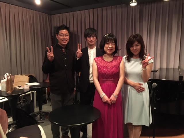 Norikoさんとサポートメンバーで記念撮影
