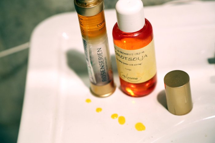 Carrot Oil Is Exactly What Your Hair & Skin Need Going Into Fall