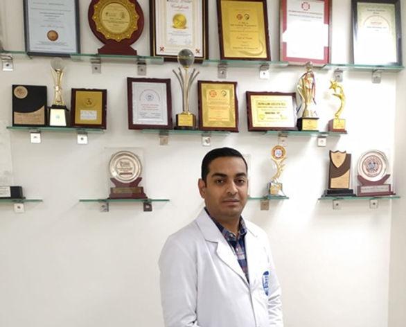 Dr.Naresh.jpg