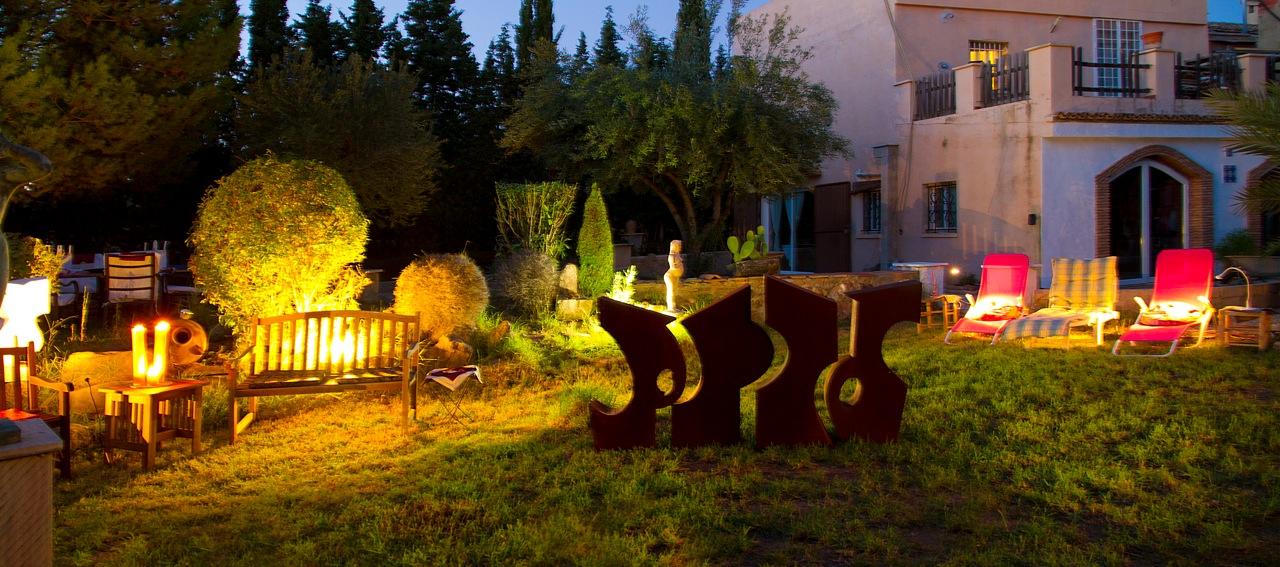 casa_jardin_noche_005