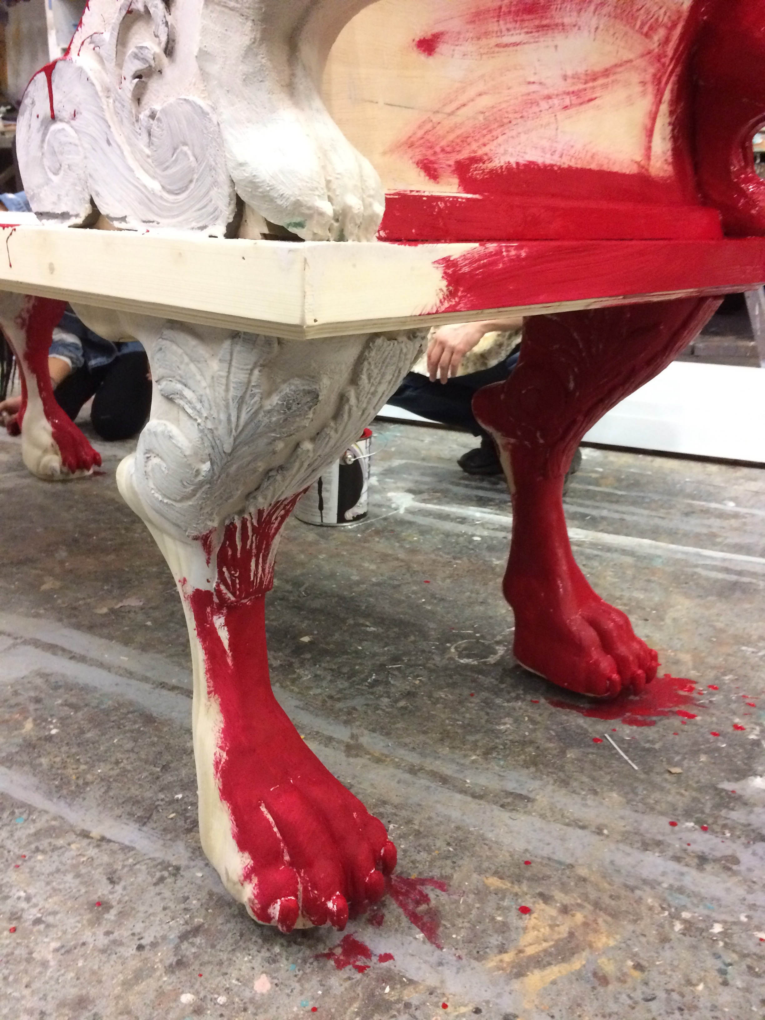 Partially base-coated legs