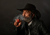 Soumen Mondal_The man with the pipe_9874