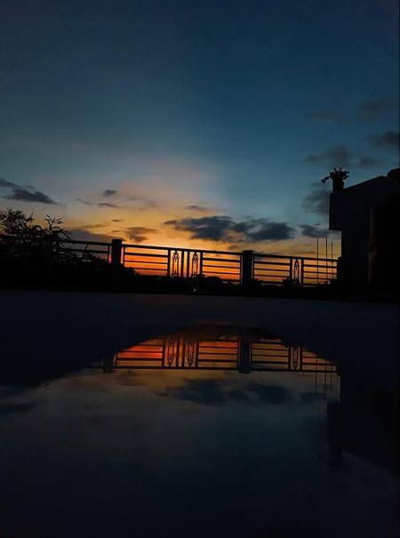 varun kumar_sunset shadow_8873014973 - V