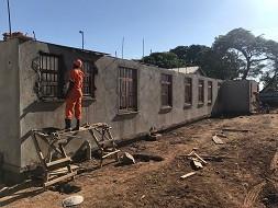 Nieuwbouw OK Kumi hospitaal in Oeganda vordert gestaag