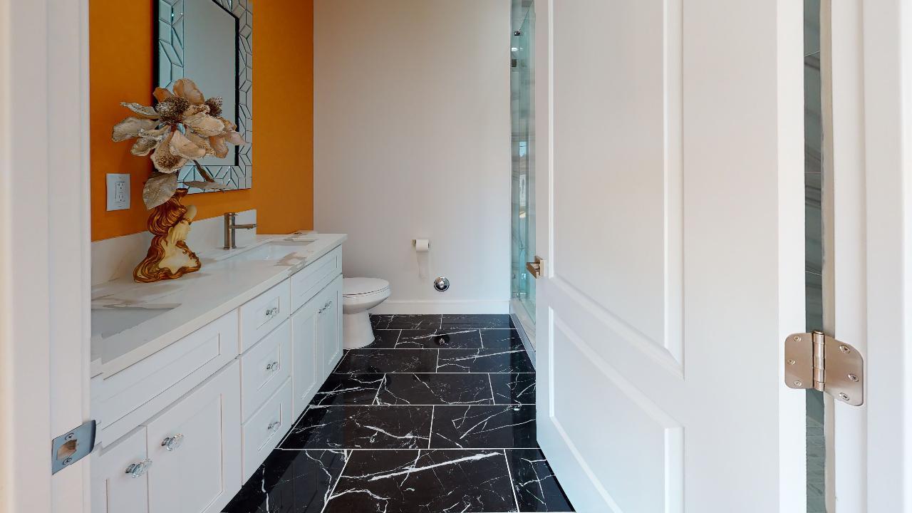 29875-Smugglers-Point-Dr-Bathroom(1).jpg