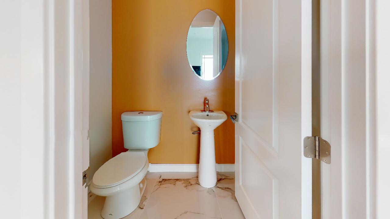 29875-Smugglers-Point-Dr-Bathroom(2).jpg