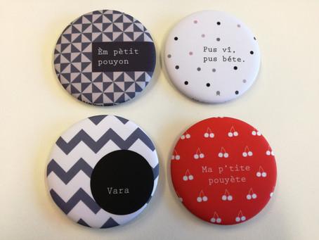 Les badges de l'Académie du patois gaumais vous attendent au SI