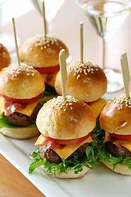 14135736-mini-hamburgers-mini-burgers.jp