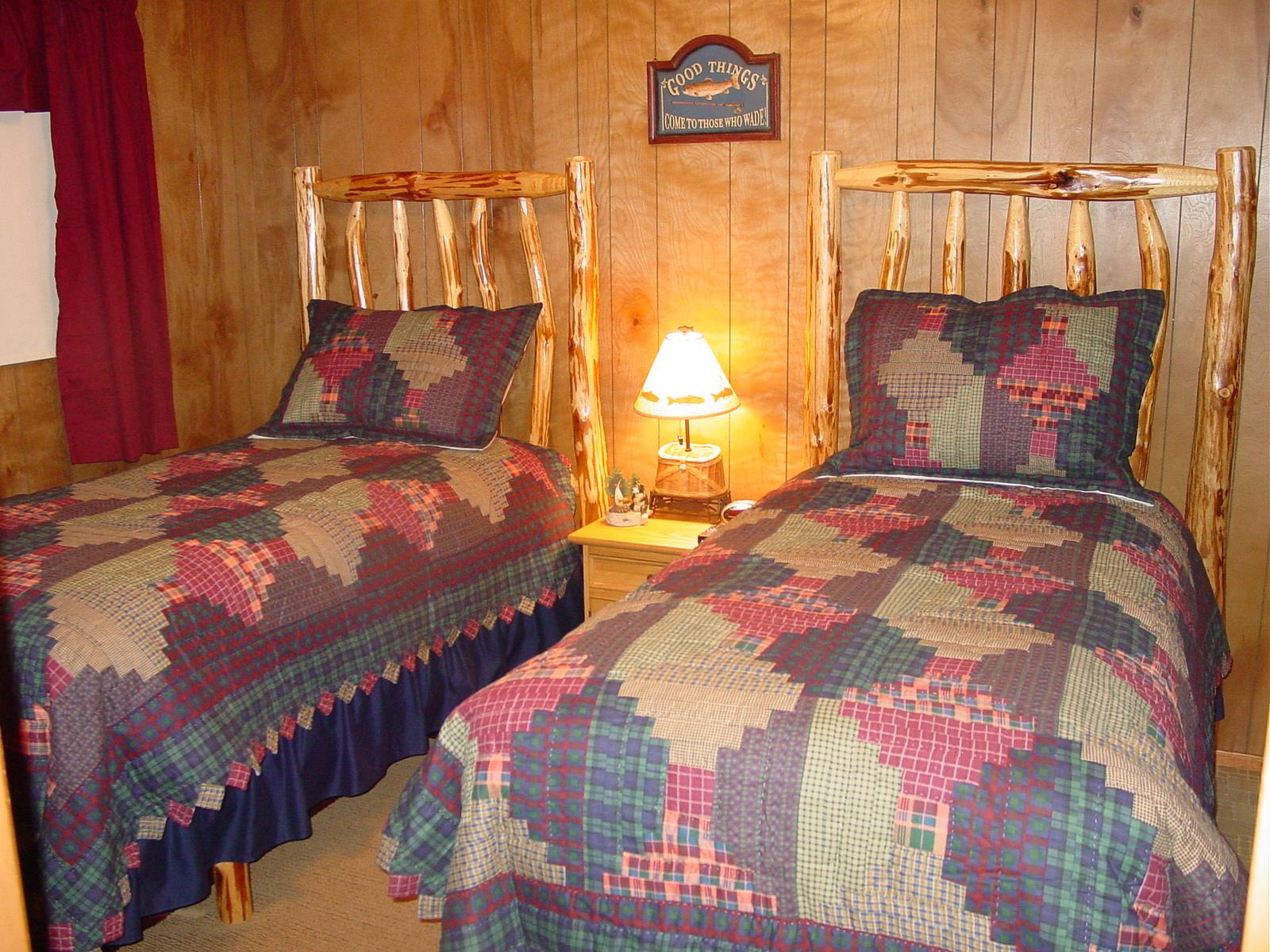 A Cozy River House - Bedroom #2