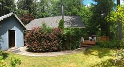 A_Cozy_River_House_I - Side Yard