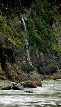 Strawbery Bay Waterfall