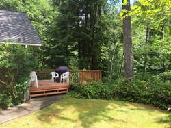 A_Cozy_River_House_I - Deck & Yard