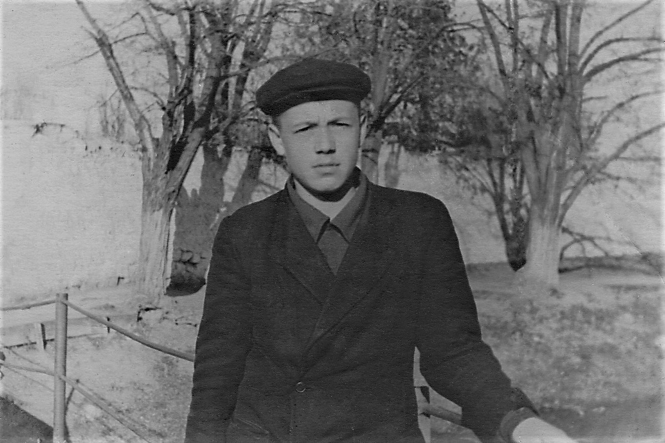 1955.05 Мой двоюродный брат Гена Харитоненко.jpg
