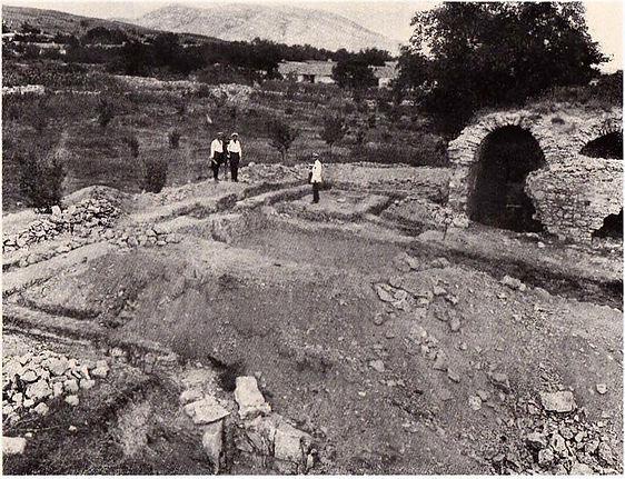 Павел Голландский на раскопках мечети Узбека и медресе в Старом Крыму. Фото 1925 г.