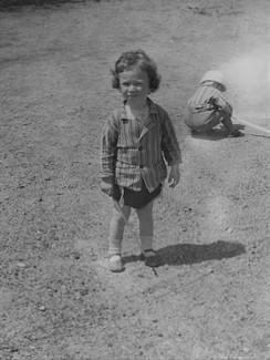 1955г. Лето Во дворе на Студенческой 12.