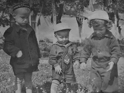 1955г. Ребята со Студенческой 12. г.Симф