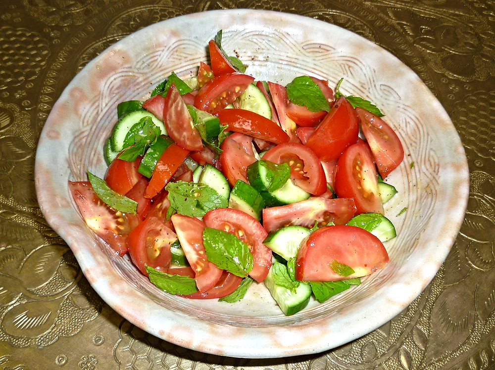 Cooking Schools Melbourne - Lebanese cucumber tomato salad_edited