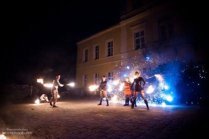 teatr i taniec z ogniem.jpg
