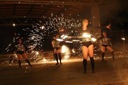 teatr ognia z iskrami.jpg