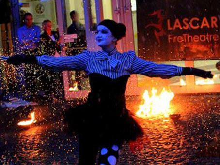 Pokaz ognia w temacie Halloween