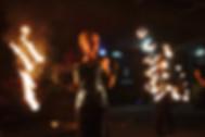 płonące_wachlarze_podczas_pokazu_firesho