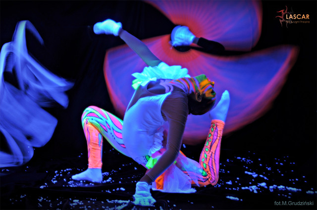 20_lightShow_akrobatyka.jpg