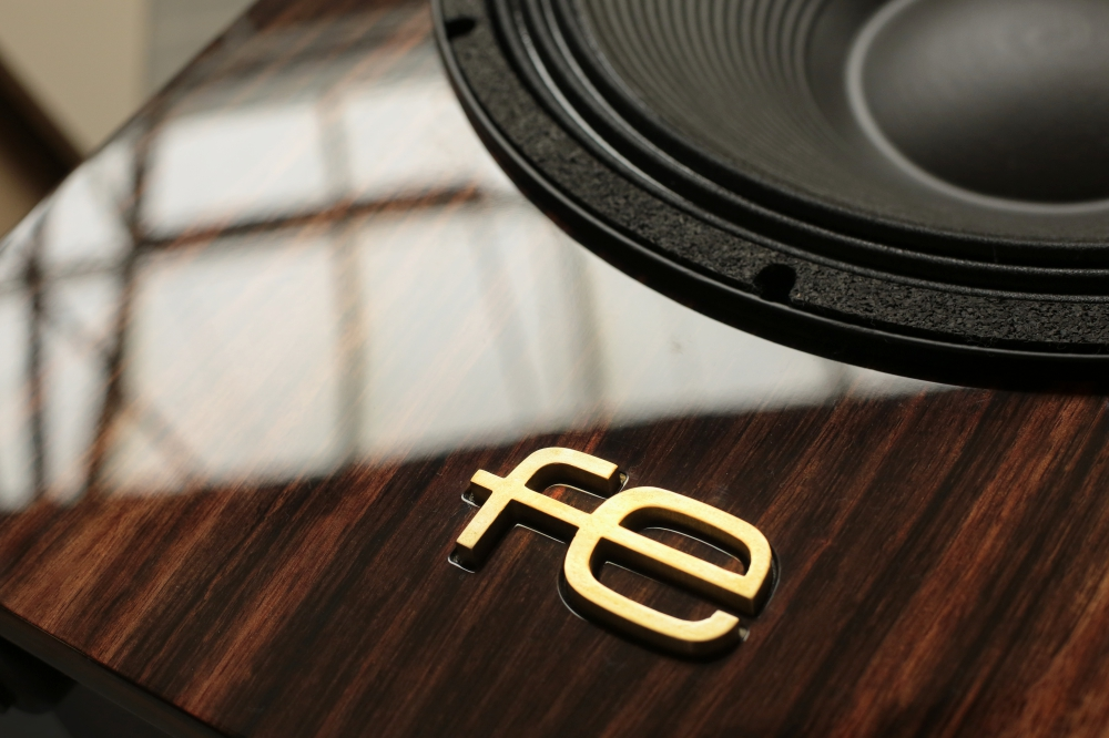 Fe Speakers mahogany veneer