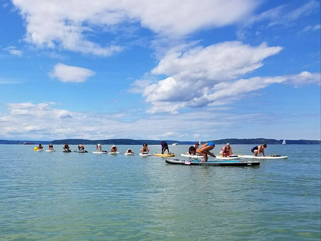 SheJumps Into SUP Yoga Along The Ruston Way In Tacoma – 2017 Recap
