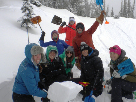 SheJumps & Jackson Hole Leadership Institute Offer Scholarships for Women's-Only Avalanche