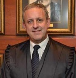 Dr. José Antônio Daltoé Cezar