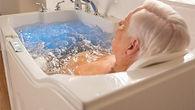 купание пожилых