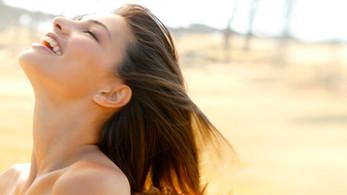 Chcete krásné vlasy? Základ je péče, výživa a stříhání