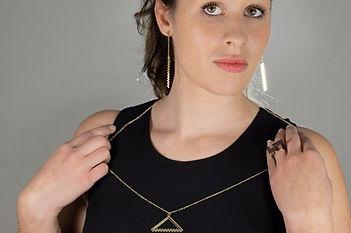 Iscah, iscah bijoux, créateur de bijoux, made in France, paris, collection PIX.L, plaqué or, doré à l or fin, pixel, bijoux artisanaux, bijoux créateur, bijoux fait main, bijoux fantaisie, bijoux femme, bijoux geek, bijou video-gaming, bijoux mode, bijou, bijoux, bijouterie, bijouterie paris, bijoux noel, bijoux originaux, bijoux pas cher, bijoux de mode, street style, street fashion, cadeau bijou, cadeau femme, cadeau saint valentin, cadeau fête des mères, cadeau noël, collier, collier fantaisie, collier geek, collier année 80, collier année 90, collier géométrique, collier femme, collier fantaisie, black friday, black friday jewelry, black friday jewelry sales, black friday bijoux
