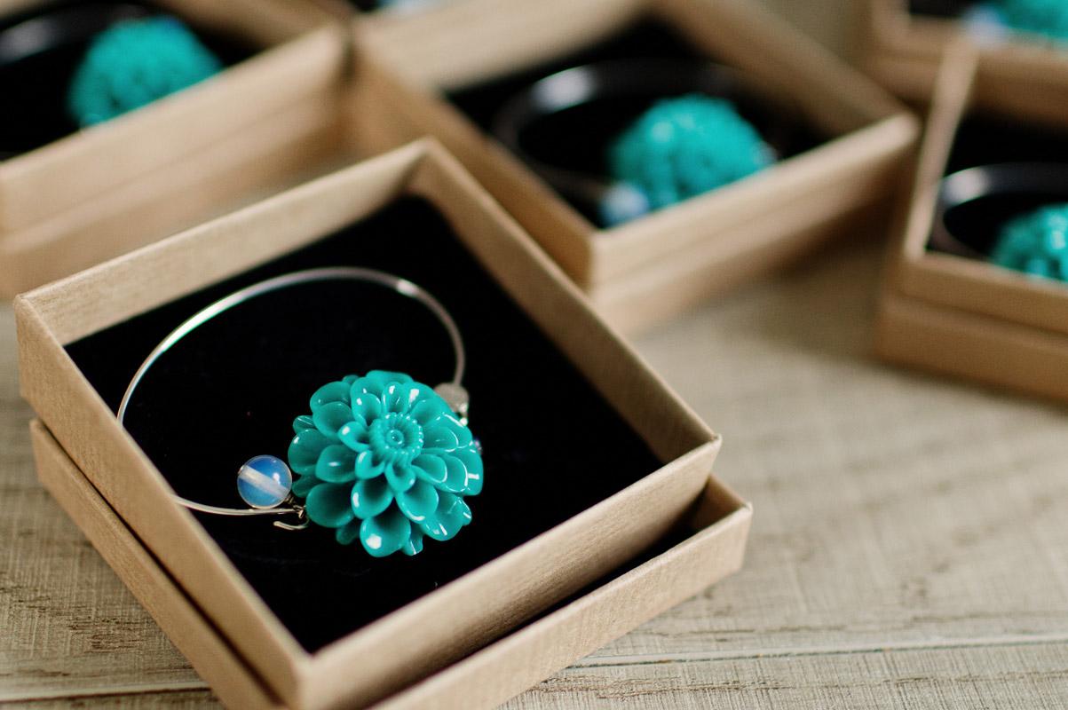 bracelet fleur bleu turquoise, perle