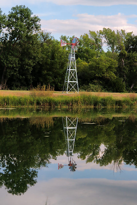 lake_windmill.jpg