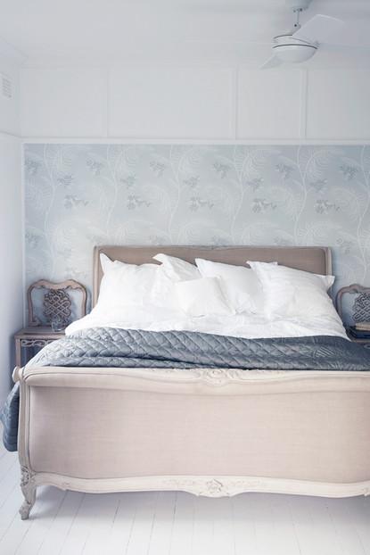 10Master BedroomRHS.jpg