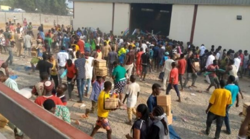 #ENDSARS: THE LOOTERS AND WHY THE LOOTING