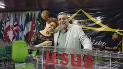 No_Congresso_das_Mulheres_Virtuosas_com_a_Líder_Geral_e_esposa_Bispa_Elizabeth.