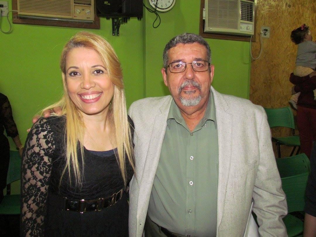 No_Congresso_das_Mulheres_Virtuosas_com_a_Cantora_Andréa_Fontes.