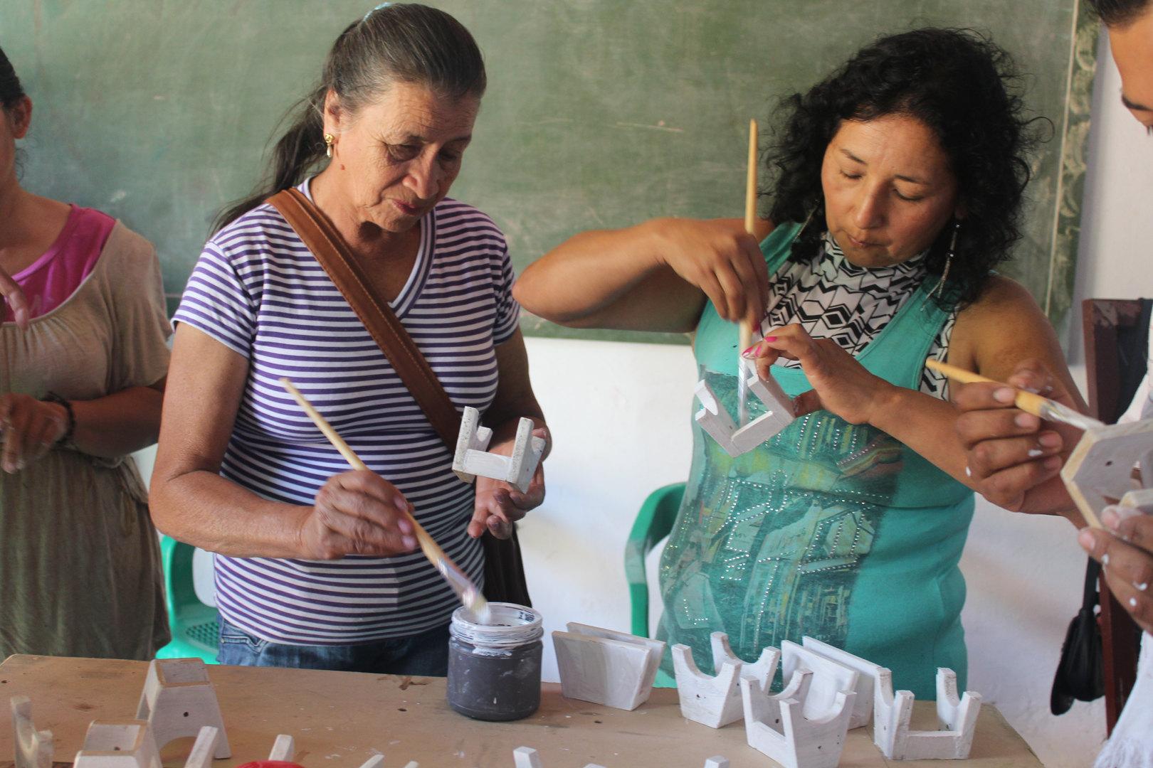 60 mujeres hacen parte del comité mujeres AVA