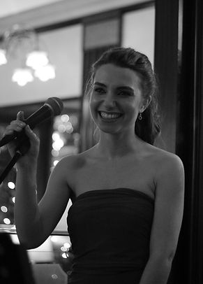 Gabrielle Zanobini, singer of Incahoots, piano/vocal duo