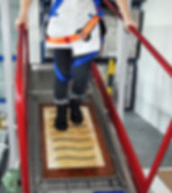 Anti-slip test using a platform with a ramp.