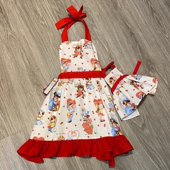 KIDS APRON WITH MATCHING DOLL APRON SET by Small Wonders