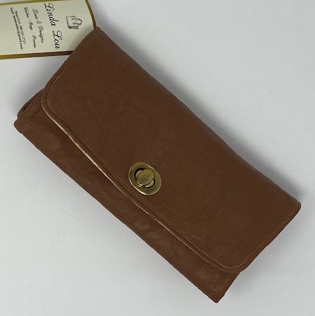 MISS PIGGY LEATHER CLUTCH WALLET by Linda Lou Lines