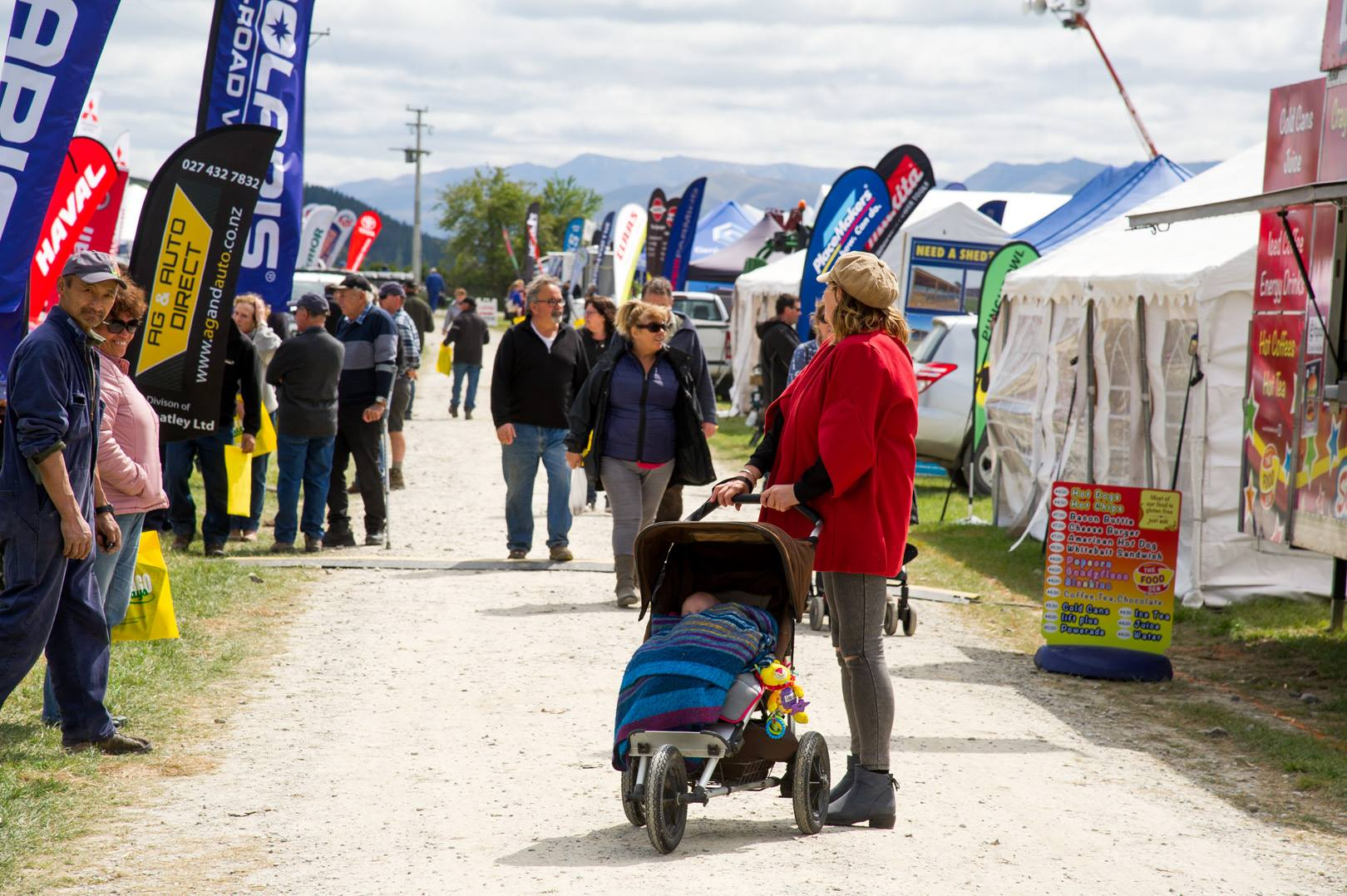 Otago Field Days - crowds of people