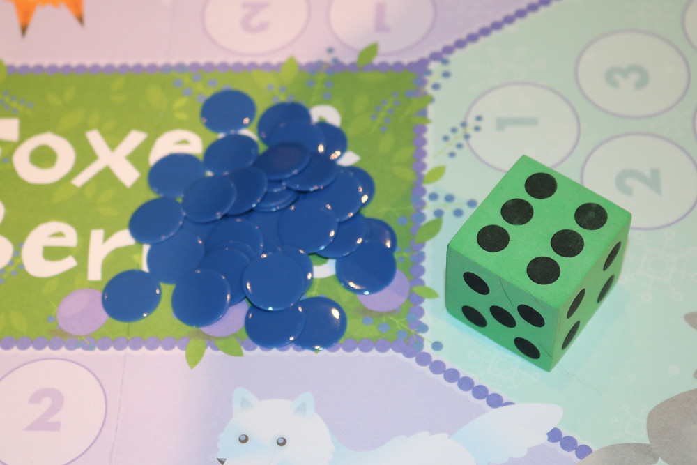 Fox & Berries gameboard with game pieces and die