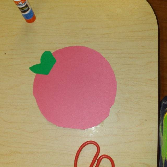 child's tomato paper craft
