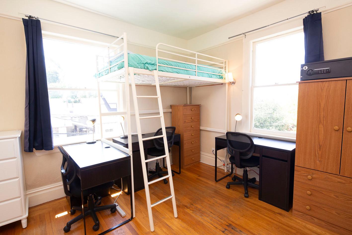 Room 2 - 2 - 1960x1307 72ppi.jpg
