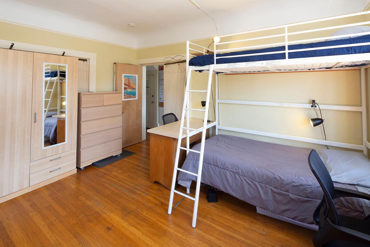 Room 5 - 4 1960w 72ppi TNT15563.jpg